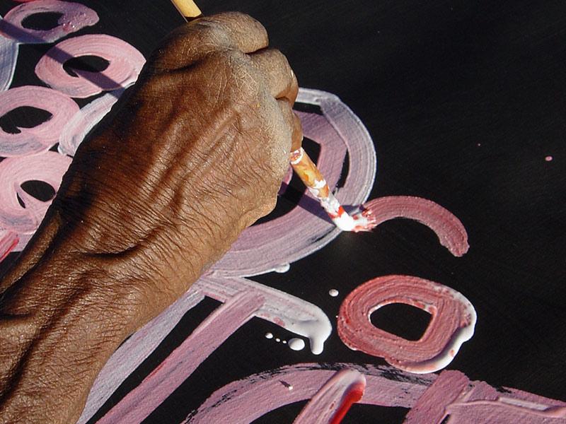 Minnie Pwerle painting