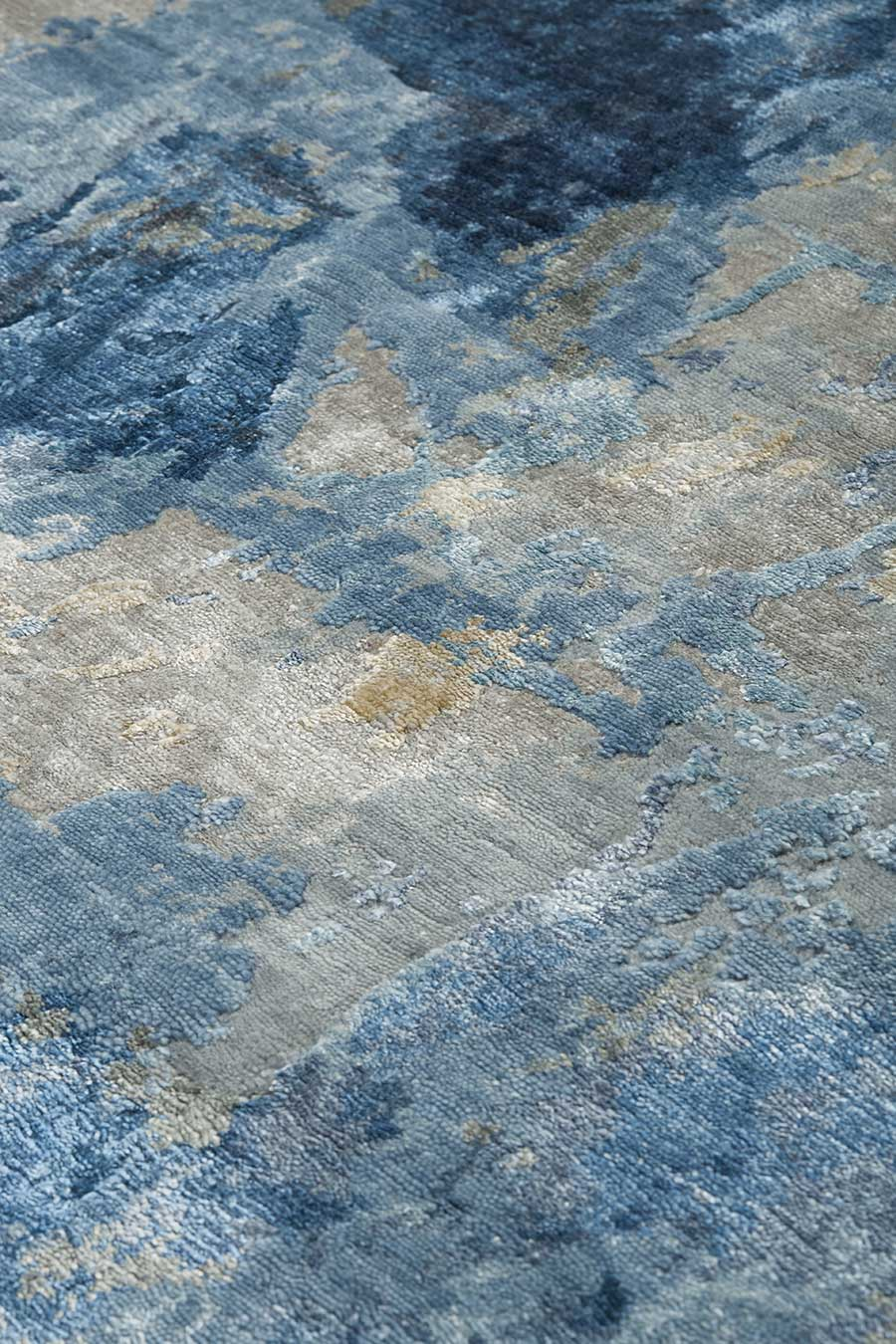 Detailed image of organic Cleopatra handknot rug by Derryn Tal