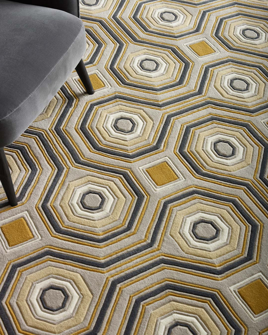 close up of knightsbridge rug by greg natale