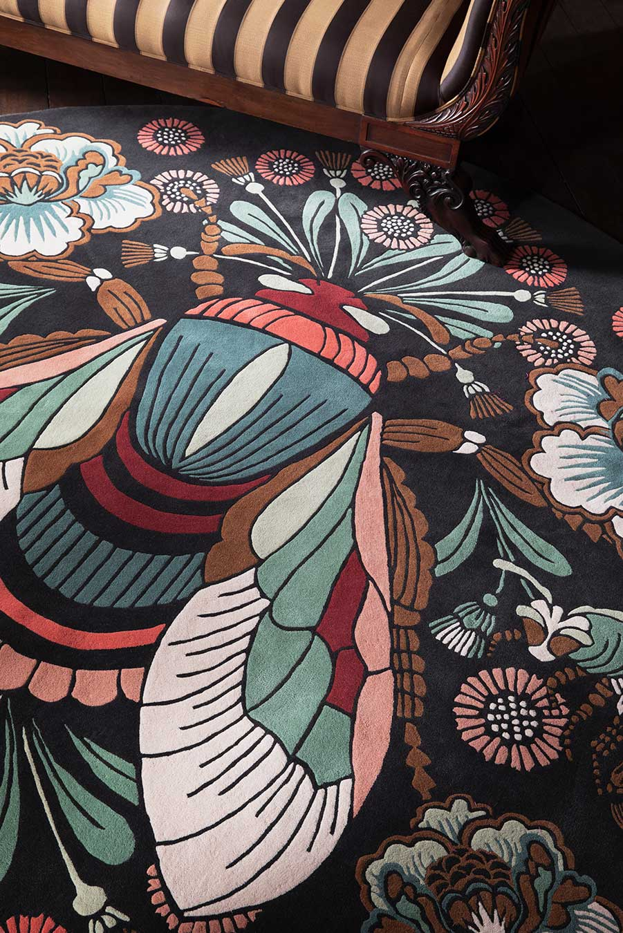 Detailed image of floral The Bees Knees rug by House of Heras