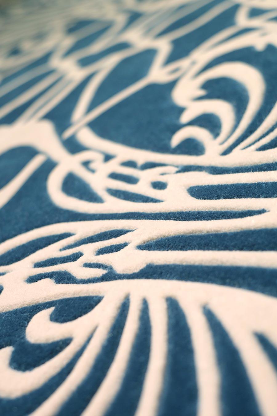Detailed image of art nouveau Metropolitan rug in blue colour