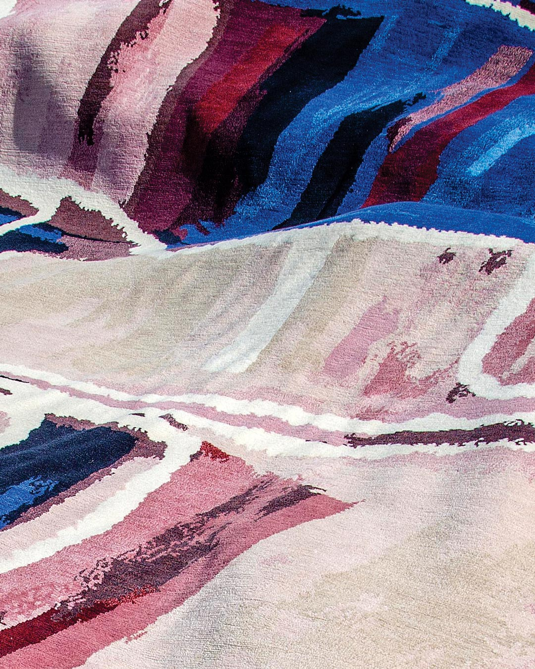 Detailed view of indigenous rug Kirriwirri in blue and pink colour