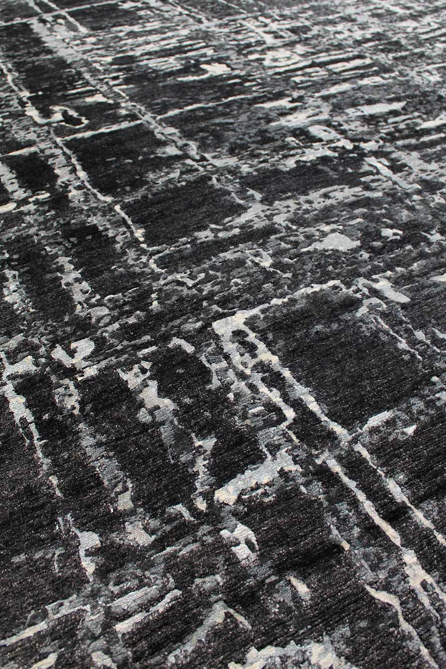 Detailed image of abstract Cityscape rug in black colour