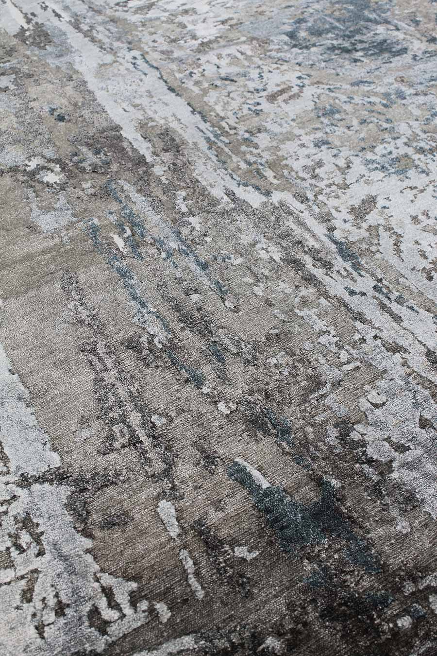 Detailed image of abstract handknot rug Marbella in grey colour