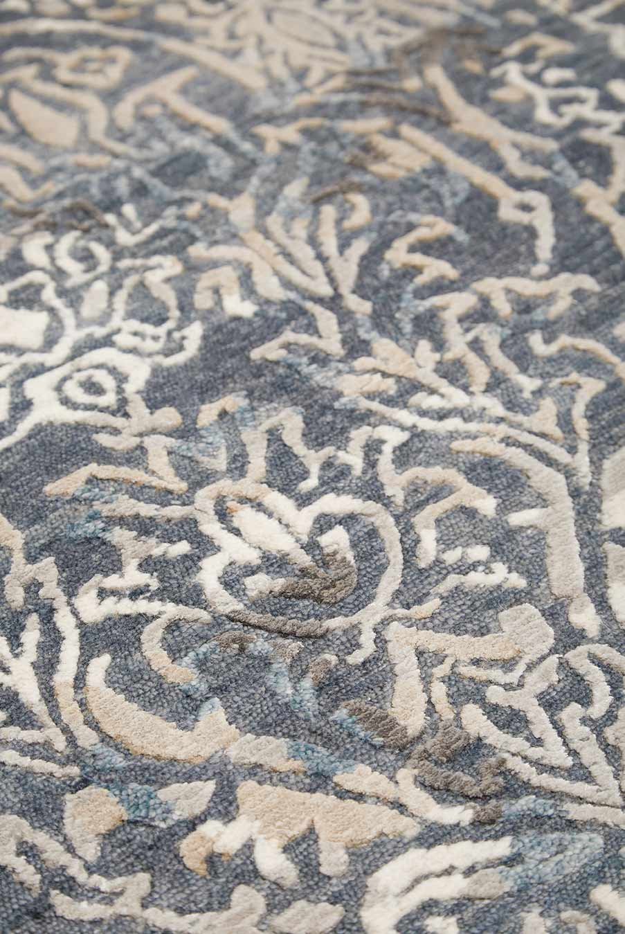 Detailed image of traditional Pichola handknot rug in blue colour