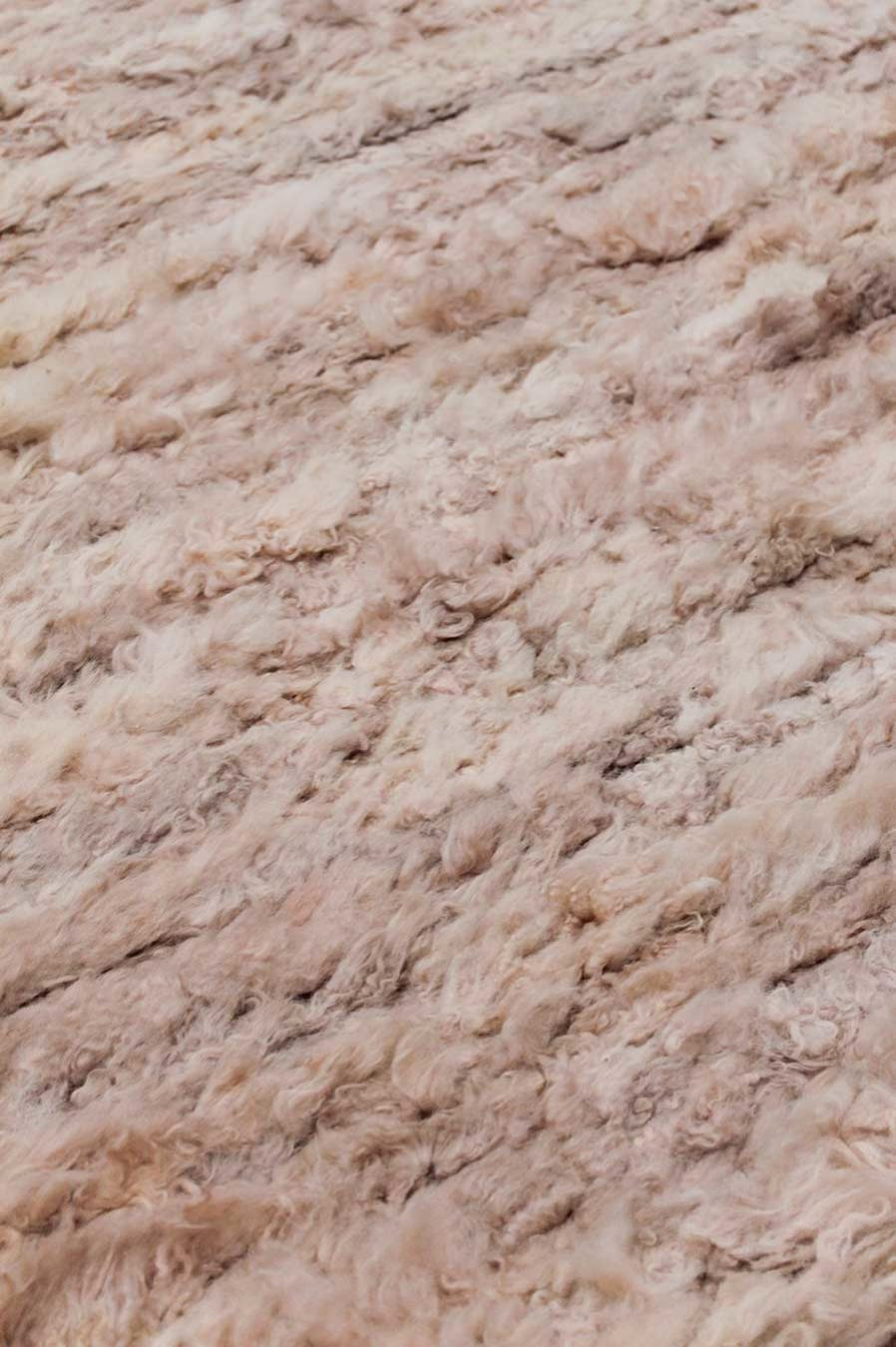 Close up view of Farah rug in pink colour