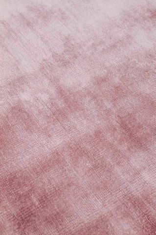 Close up view of metallic Glam rug in pink colour