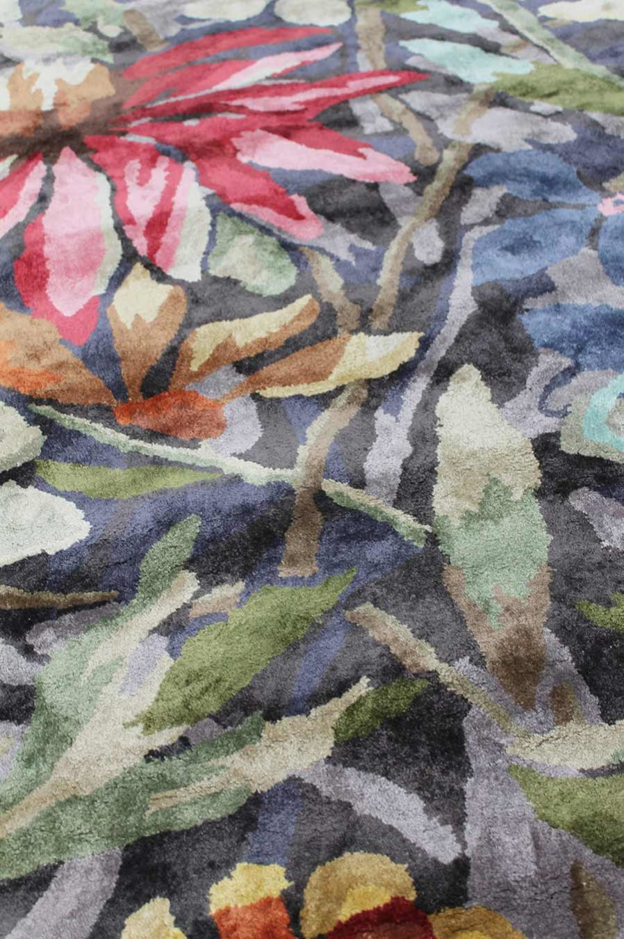 Close up of floral multicoloured Rendezvous rug