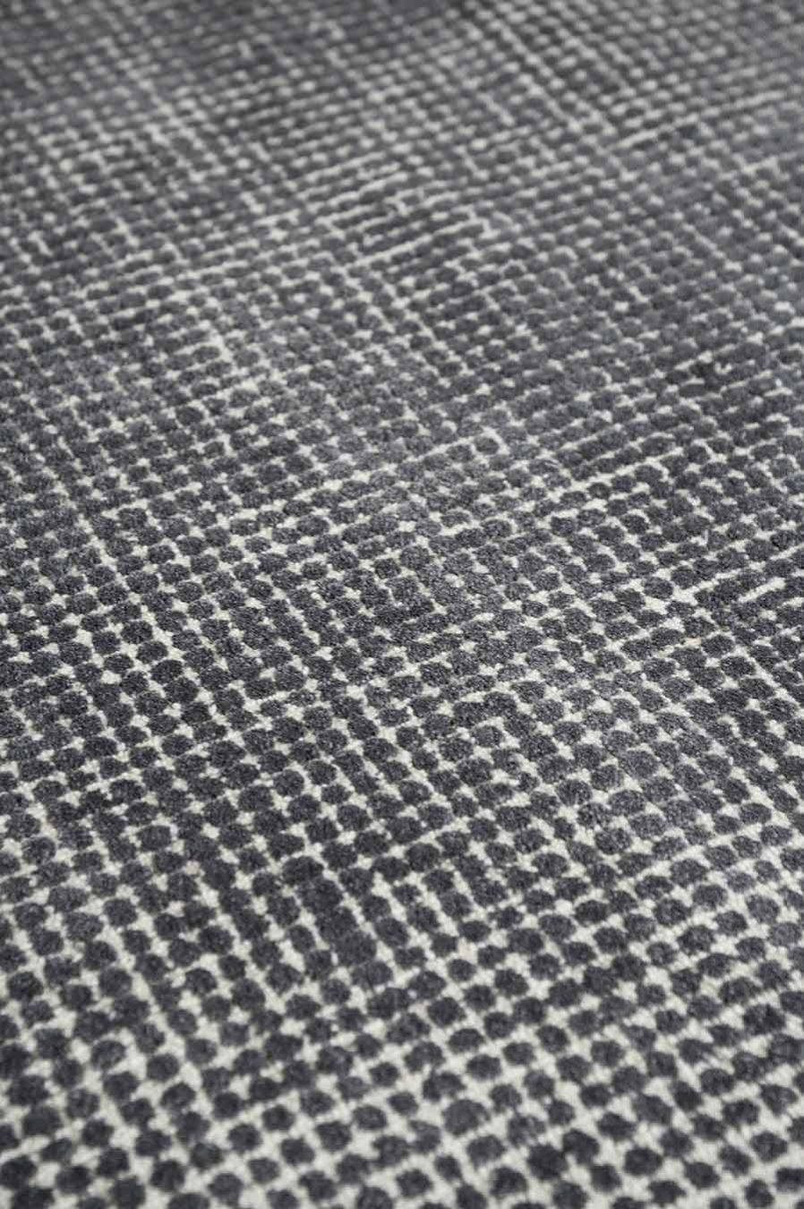 Detailed view of textured Sorrento rug in grey colour