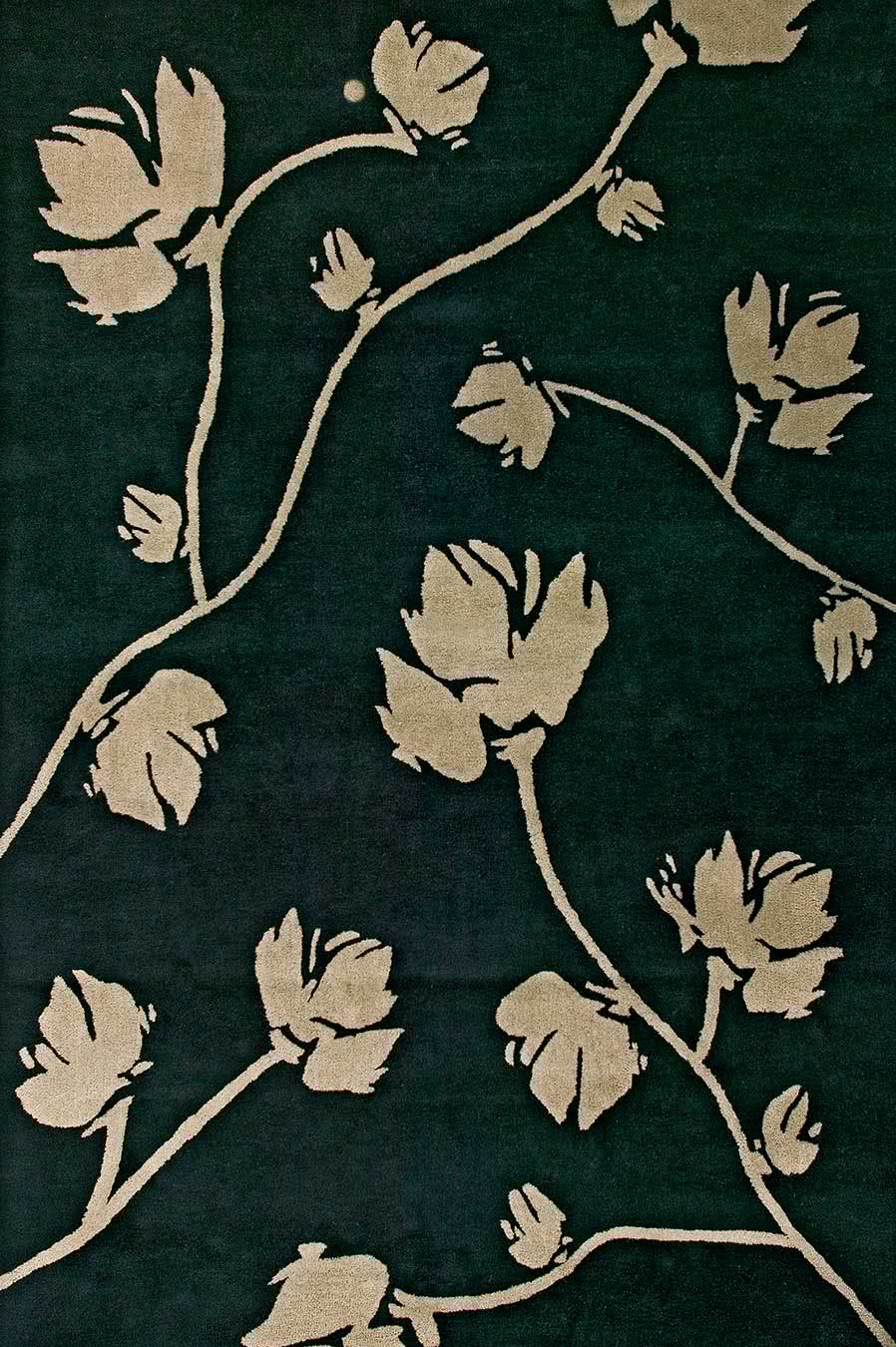 Magnolia rug in Dark Grey colourway overhead image